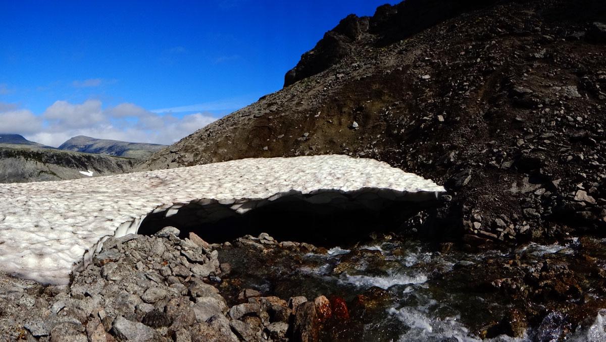Ущелье Ведьм снежник   Хибины. Кольский полуостров